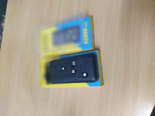 Fast charge power bank 10,000mah inayojaza simu full charge free delivery in Dar image 5