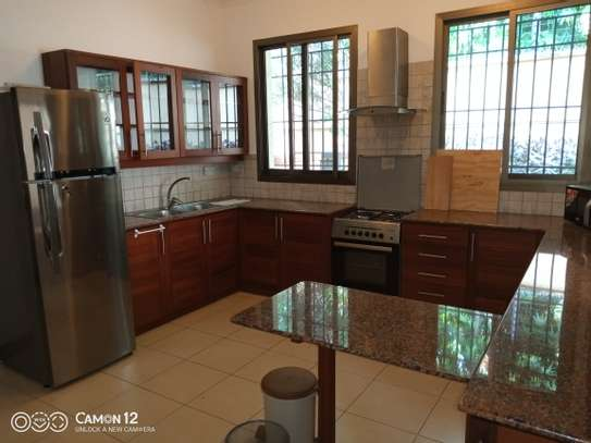 4bdrm town house for rent in oyster bay image 13