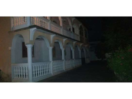 5bed house at mikocheni $1500pm image 1