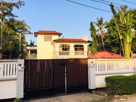 7 bedroom house for sale at mikocheni Ovacado image 9