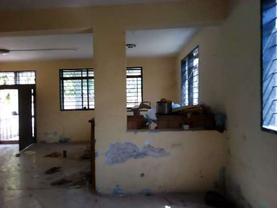 5bed house for sale at mikochen B TSH 500m image 6