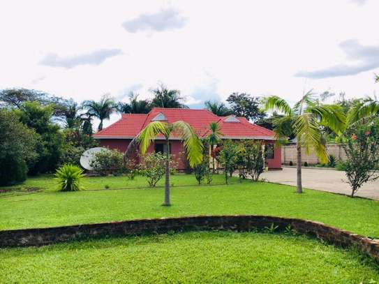 BIG-GARDEN HOME FOR RENT/SALE AT USA-RIVER ARUSHA(FURNISHED).