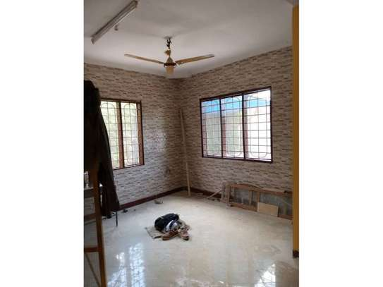 3 bed room house for rent tsh 1mil at block 41 image 5