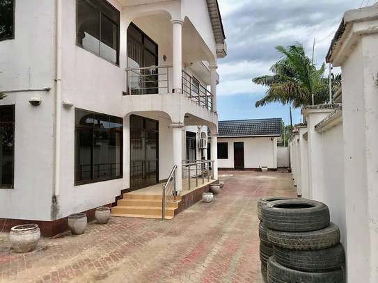 5 bed room all ensuite for rent at ununio image 1