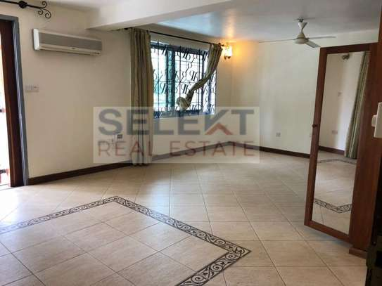 8 Bdrm Standalone House With Swimming Pool In Masaki image 8