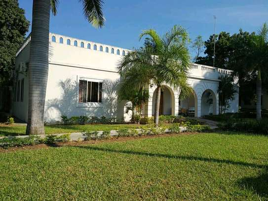 HOTEL BEACH FOR SALE IN BAGAMOYO.. image 4