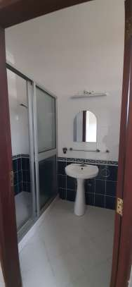 4 Bedrooms Large Bright House For Rent in Oyster bay image 13