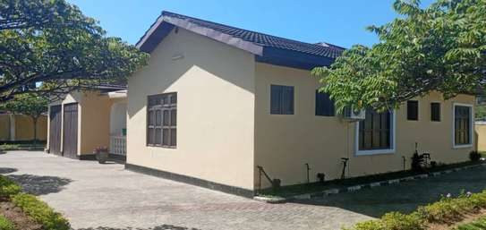 four bedrooms house at mbezi beach image 5