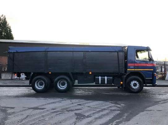 2002 Volvo FM9 6X4 TIPPER TSHS 90MILLION ON THE ROAD image 8