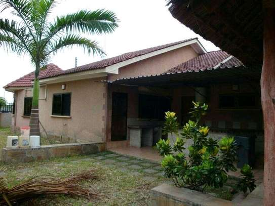 4 bed room house for sale at mbei beach africana image 1