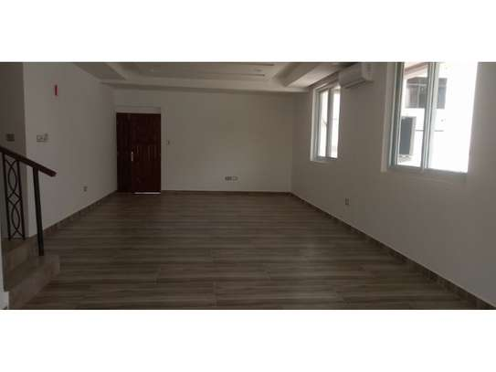 4bed all ensuite town house at oyster bay $2500pm image 10