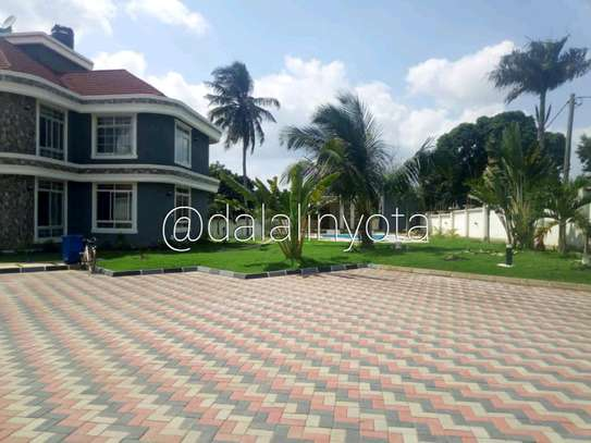 5 BDRM HOUSE AT SALASALA image 10