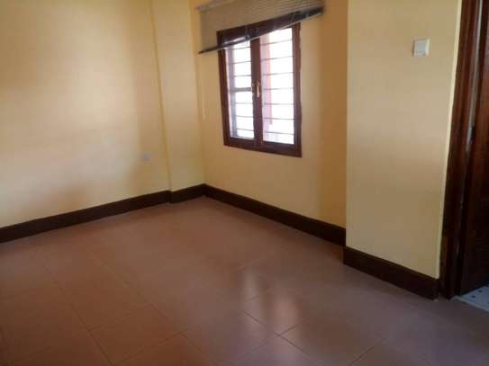 3 Bdrm Stand Alone House in Ada Estate image 6