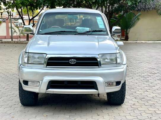 2000 Toyota Hilux Surf image 3