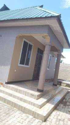 3 bed room house for sale at kigamboni TRA image 1