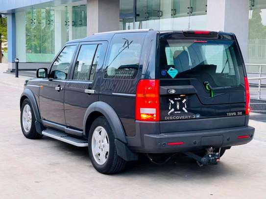2005 Land Rover Discovery image 2