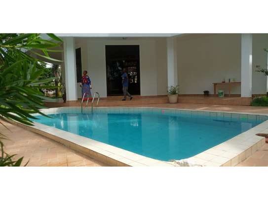 beach house 8bed at mbezi beach $2500pm plus 3bed house total 11 bed image 10