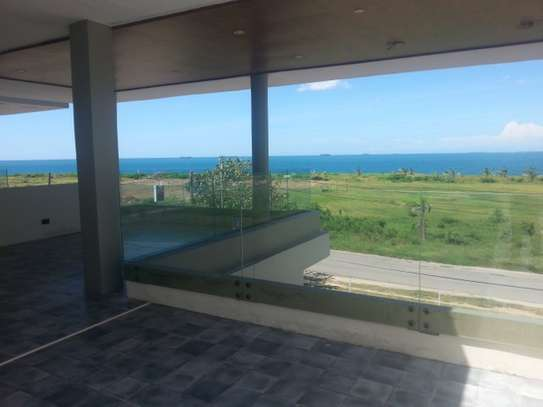 5 Bedrooms Villa For Rent In Oysterbay