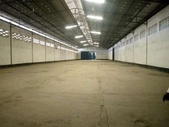 3000 sqm Godown in Chang'ombe along Mandera road to let. image 1