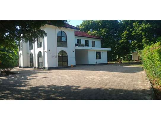4bed house at oyster bay$1500 image 1