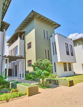Fully furnished Prestigious 4 bedrooms Villa for rent at Oysterbay image 1