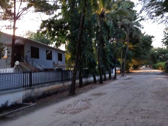 4bed house awith big compound at ada estate $1500pm image 4