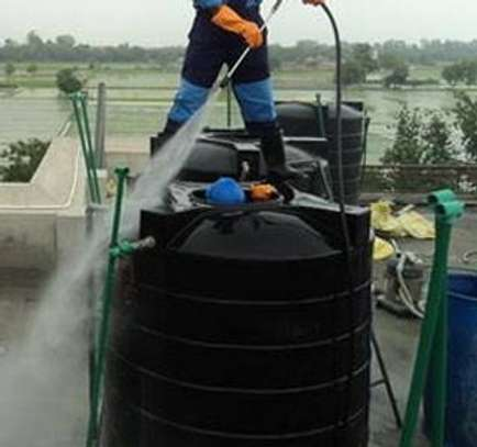 Water tank cleaner image 5
