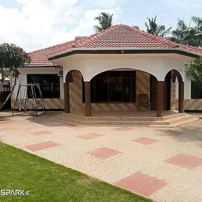 HOUSE FOR SALE image 11