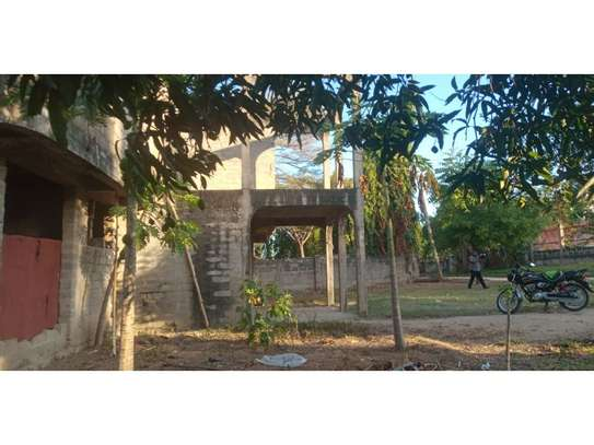 un finshed 4bed double storie at mbezi beach  1200sqm area image 3