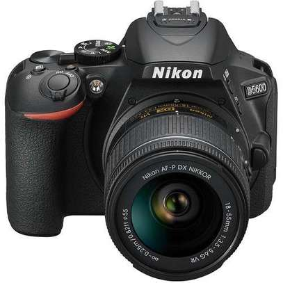 Nikon DSLR 5600 with 18-55mm (Black)