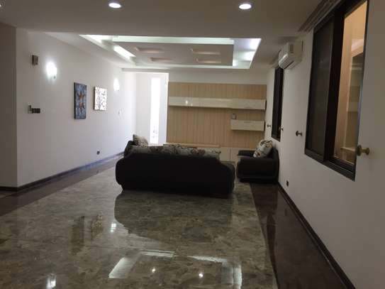 5 Bedrooms Fully Furnished Villas In Masaki image 4