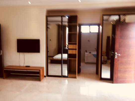 4 Bdrm Luxury  Furnished Villa with Pool & Gym, in the Heart of Masaki image 12