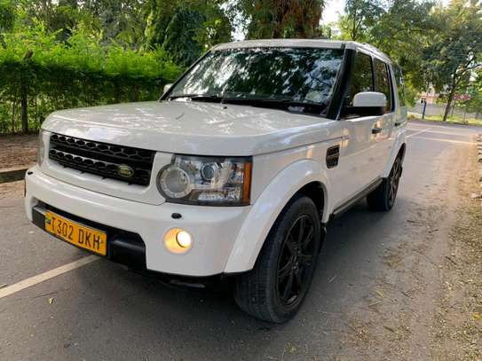 2010 Land Rover Discovery image 18