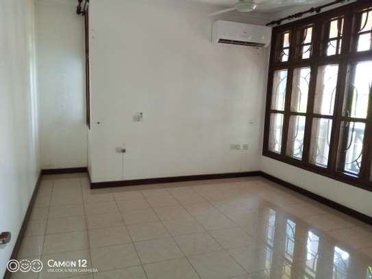 4bdrm house for rent in masaki image 3