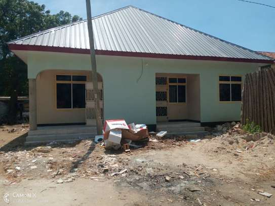 3bed  house at ada estate near leaders club tsh 1000000 image 10