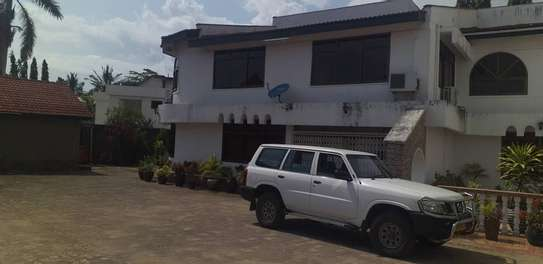 6bed all ensuite at avacado  i deal for office cum residance near to mwaikibaki rd image 12