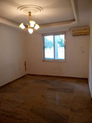 4 bed room all ensuite for rent house at avocado near tripple seven image 4