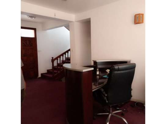 5 bed room all ensuite for rent at msasani , house i deal for office. image 2