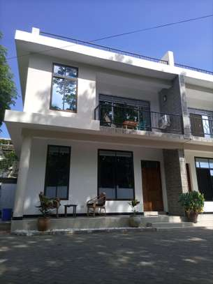 VILLAS FOR RENT AT ADA ESTATE NEAR LEADERS image 7