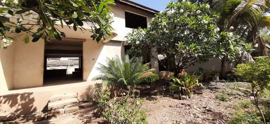 4/5 Bedrooms Large House For Sale in Masaki in the Peninsula image 12