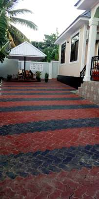3 bed room house for sale at madale near colea college image 10