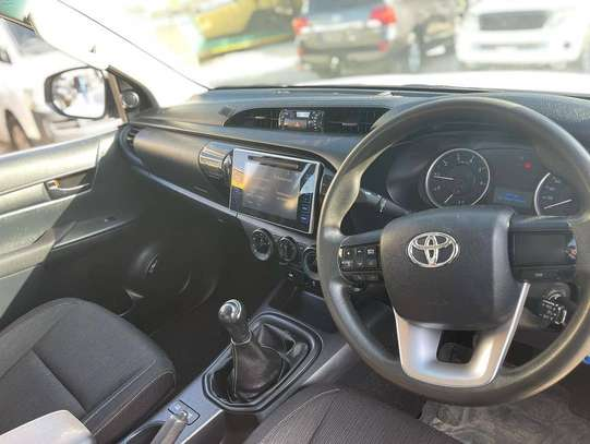 2017 Toyota Hilux Double Cabin Mpya Chasses Number image 8
