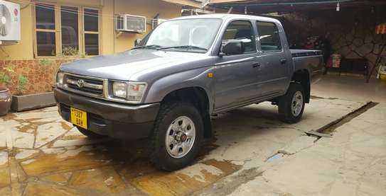 2002 Toyota Hilux image 3