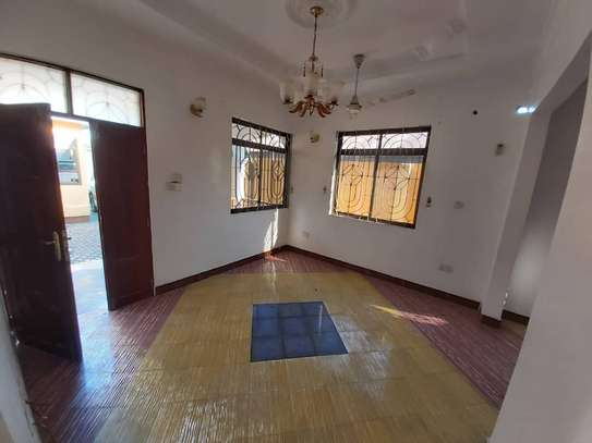 6 bedroom house for rent suitable for OFFICE image 14