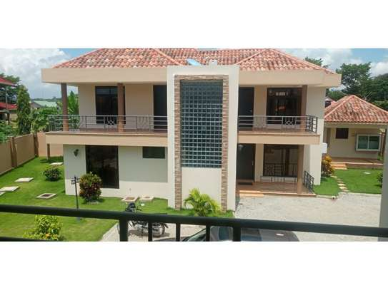 3 bed room town house for rent $550pm at mbweni dar image 1