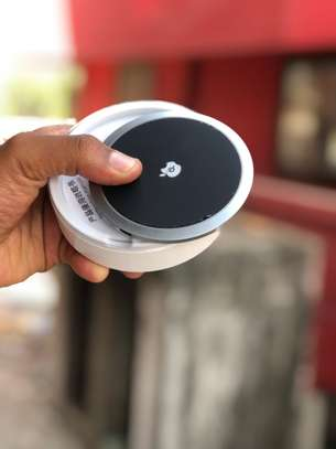 Wireless Charger image 3