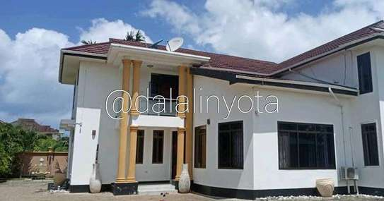 5 BDRM HOUSE AT MBEZI BEACH image 6