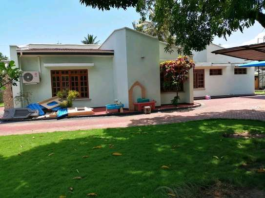 4 Bedrooms standalone house in mbezi beach