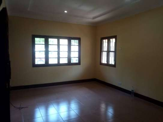 3 Bdrm Stand Alone House in Ada Estate image 11