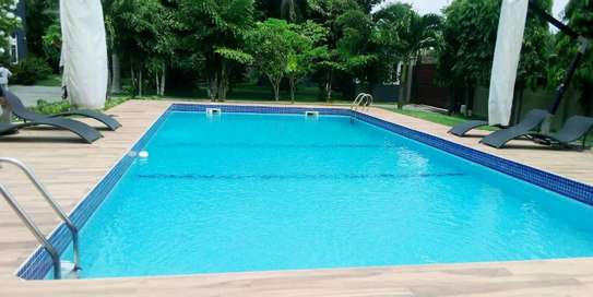 VILLAS FOR RENT AT BAHARI BEACH image 1